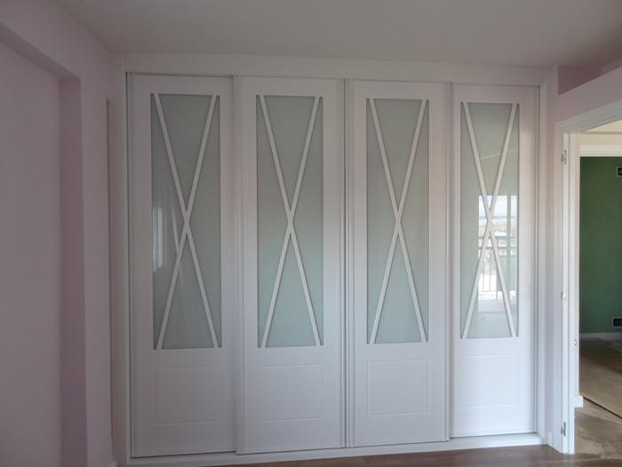 Modelo 7203 puerta interior madera moderna for Cajoneras para interior de armarios