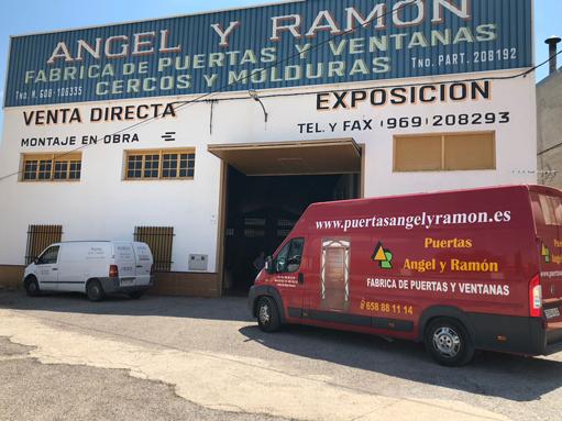 Fabrica de puertas de madera Angel y Ramón