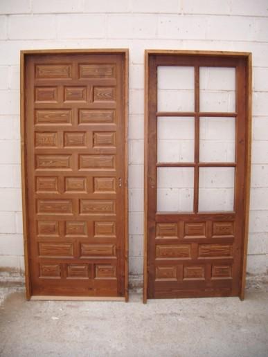 Puertas castellanas de interior materiales de for Puerta castellana pino