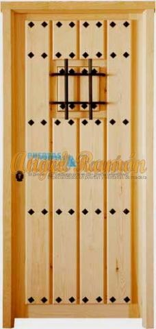 puerta-madera-rustica-calle-exterior-pino-iroko-amedida-1hja.clavos.rejas-forja-barata-oferta-porton