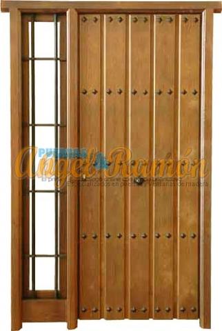 puerta-calle-rustica-madera-entrada-exterior-porton-emvejecido-laterales-ofertas-baratas-pino-iroko-amedida-stock-seguridad