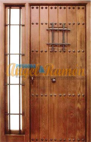 puerta-calle-rustica-madera-laterales-montante-ventanillo-rejas-forja-iroko-pino-oferta-baratas-stock-embejecidas-barnziad0