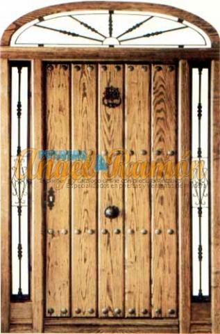 porton-mediopunto-rustico-calle-exterior-clavos-rejas.laterales-montante-pino melix-iroko-oferta-baratas-stock-barnizadas-clavos