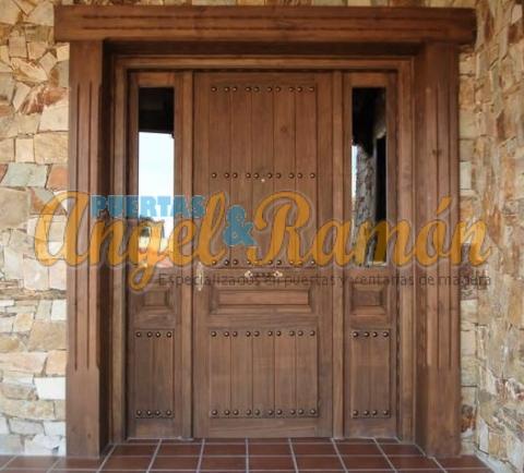 porton-madera-rustico-2fijos.rejas-clavos-forja-pino-iroko-oferta-barata-artesanal-porton-entrada