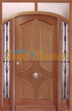 puertas de madera exteriores clásicas