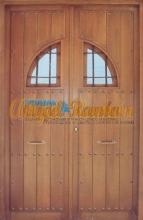 puerta-rustica-madera-maciza-rejas,calle-exterior-amedida-2hojas-pino-iroko-antigua-