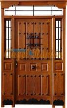 puerta calle-rustica-madera-porton-entrada-laterales.montante-rejas-clavos-forja-tabla-ventanillo.amedida-artesanal.stock-mobila-iroko