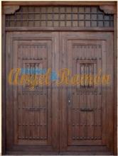puerta rústica exterior doble hoja-artesanal-pino-iroko-amedida-ofeta-barata-artesanal-emvejecida