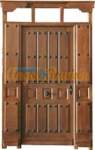 puerta-calle-rustica-laterales-montante-amedida-clavbos-tablas-barata-oferta-stock-iroko-pino-teñida-nogal