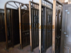 stock de puerta exteriores de madera