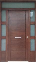 Puerta-moderna-iroko-fijo,montante,laterales-pino-rayada-amedida-barata-oferta-calle-exterior-