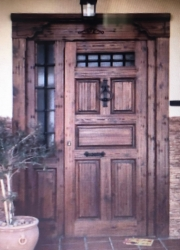 puerta rústica de madera para calle con fijo-artesanal-emvejecida-mensulas-pino-oferta-barata-poron-entrada-amedida